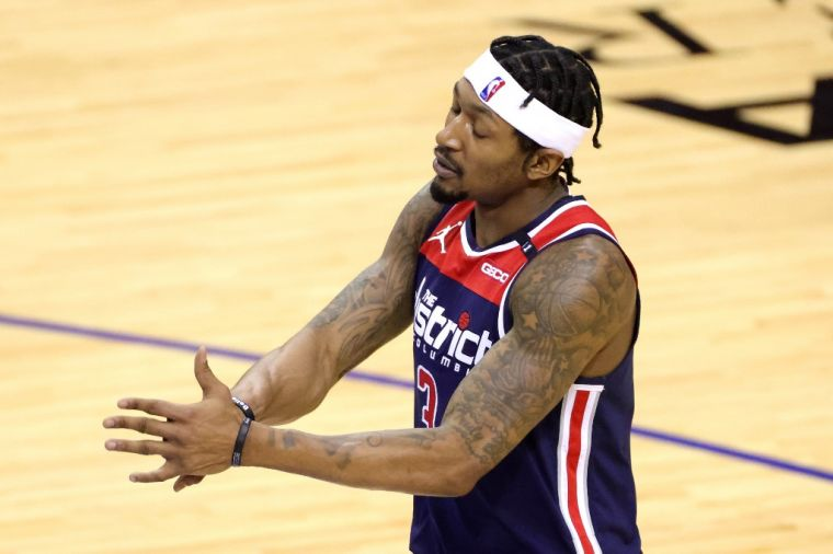 比爾很悲情,連10場得分40+都輸球,NBA第一人。(法新社資料照)