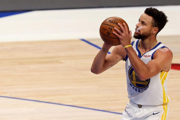 柯瑞新賽季年薪4578萬美元,連續5年稱霸NBA。(法新社資料照)