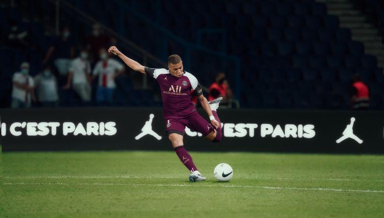 Jordan Brand》攜手巴黎聖日耳曼足球俱樂部。官方提供
