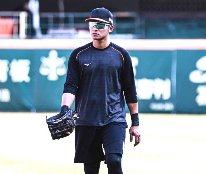 「四爺」陳傑憲,數度獲選最佳十人游擊手。720armour運動眼鏡/提供。