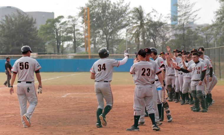 108大專棒球聯賽,文化大學單場轟出4發全壘打。大會提供