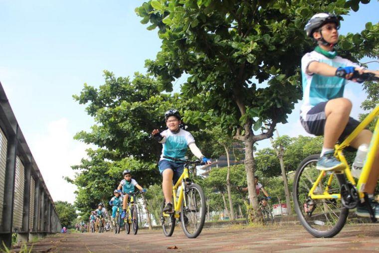 學員可騎一趟數十公里的單車逍遙遊。美利達提供