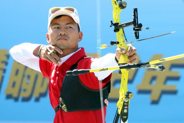 魏均珩是企業射箭聯賽元年箭林之王。720armour運動眼鏡/提供。