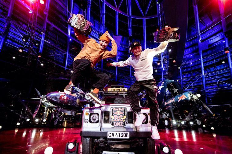 2020 Red Bull BC One 世界總決賽(左:Kastet、右:Shigekix)。官方提供