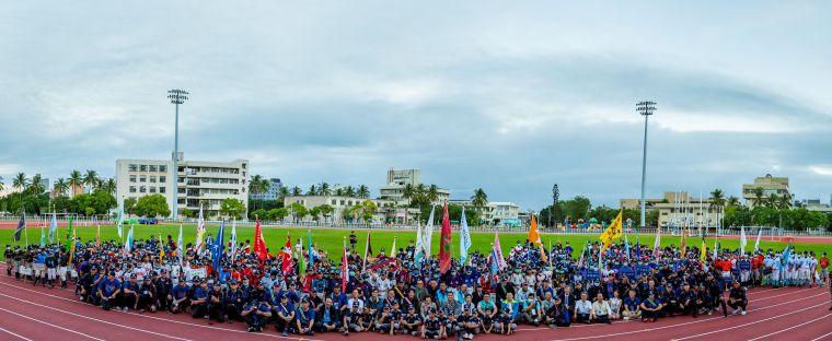 全國各地共49支原鄉部落的少棒、青少棒隊伍齊聚台東縣立體育場。大會提供
