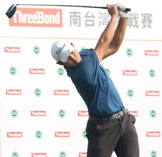 2021ThreeBond南台灣挑戰賽第一回合蔡凱任66桿(-6)暫列第一。鍾豐榮攝影