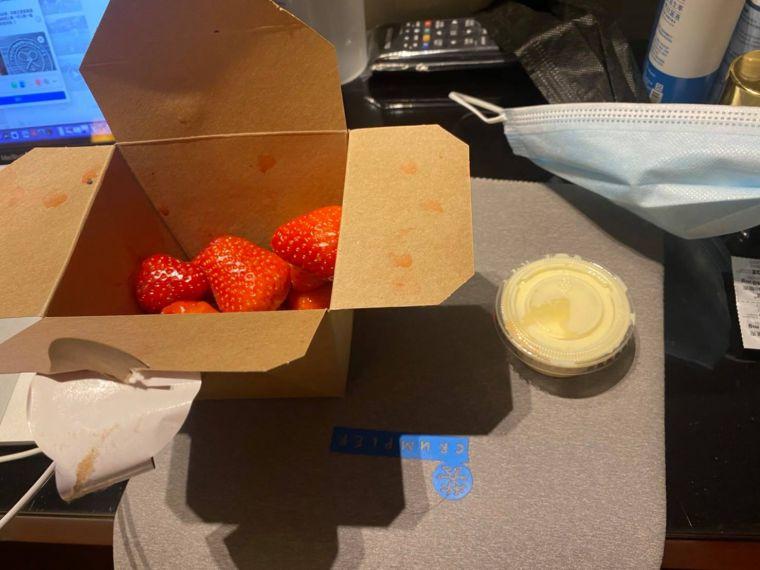 溫網傳統的草莓加鮮奶油。盧威儒提供