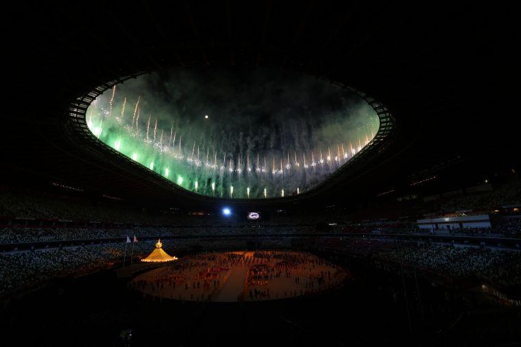 東奧開幕式在夜間有各種彩色。李天助攝