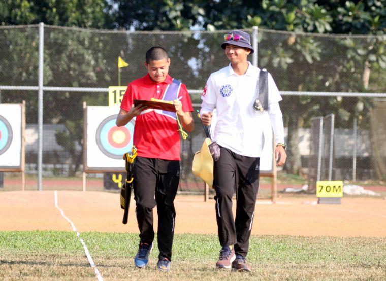 湯智鈞(左)和魏均珩。中華民國射箭協會/提供。