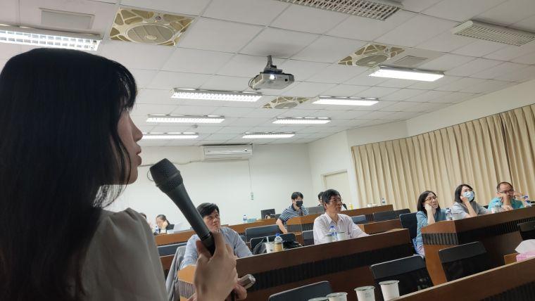 中華民國運動賽事分析師協會講習課程中,運動直播主潔西課程內容新穎而有趣。取自臉書