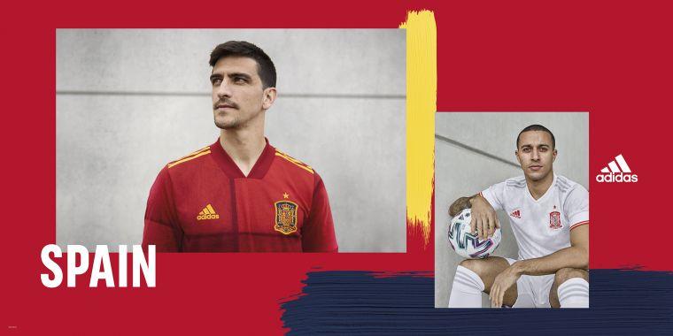 adidas為西班牙隊設計主場球衣,靈感來自西班牙國旗的紅黃相間色彩,客場球衣白底胸前綴有紅色光芒的隊徽,象徵西班牙隊的熱情及活力。官方提供