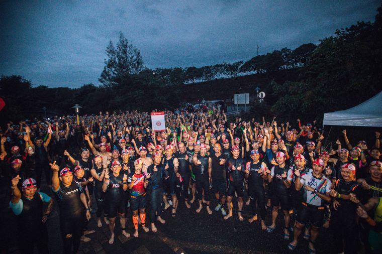 今年亞太最大鐵人賽事Challenge Taiwan,逾6000人24、25日台東活水湖登場。大會提供