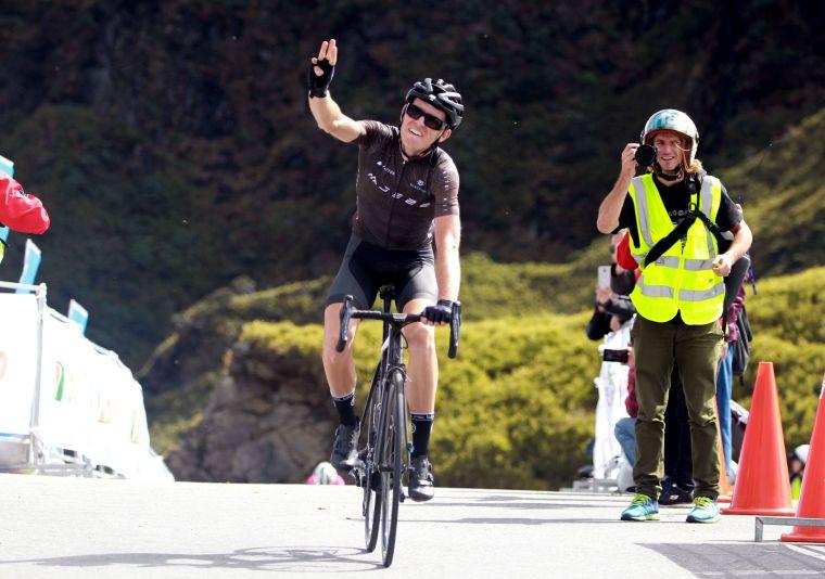 台灣女婿丹麥約翰.艾伯森第三度掄元,是台灣登山王史上最多冠選手。中華民國自行車騎士協會/提供。