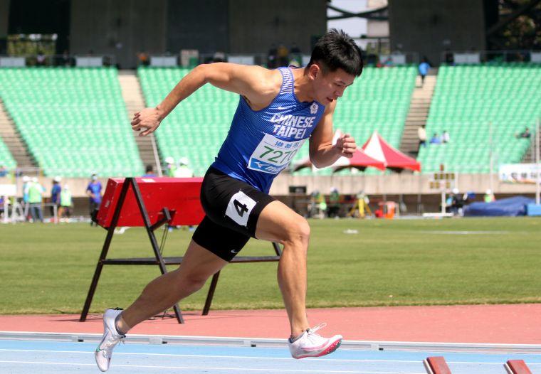 公開男子400公尺冠軍奧運培訓隊楊隆翔。林嘉欣/攝影。