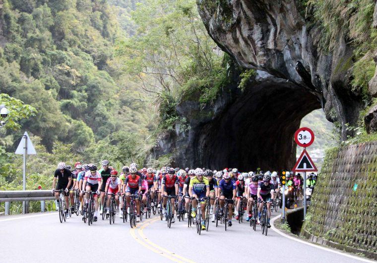 2018臺灣自行車登山王挑戰10月26日登場。DURO華豐輪胎/提供。