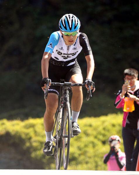 2017臺灣自行車登山王挑戰國內第二范永奕,今年將到武嶺奉鏡給敢鬥桑。DURO華豐輪胎/提供。