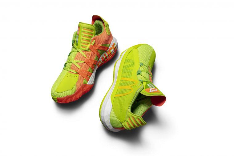 adidas Dame 6「Sauce」內側中底分別綴以DAME及SAUCE字樣,鞋舌則勾勒出糖醋醬包裝,種種設計細節及巧思高度還原招牌醬料。大會提供