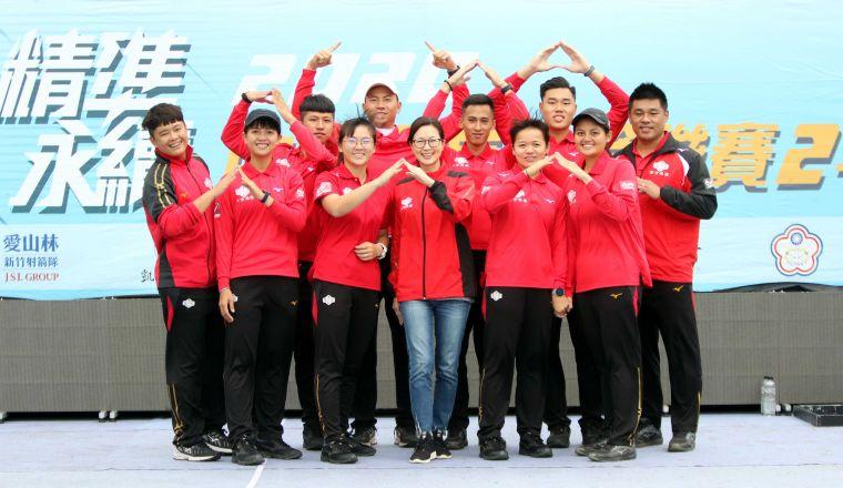 寒舍集團是個溫暖的大家庭。中華企業射箭聯盟/提供。