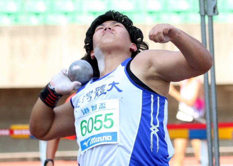 公開女鉛球決賽,郭姵妤破大會得銀。林嘉欣/攝影。