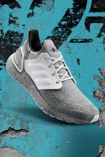 adidas X James Bond推出灰白配色,以最新電影中令人不寒而慄的反派角色薩芬為設計靈感,鞋舌更印上薩芬專屬Logo,象徵電影角色身分。官方提供