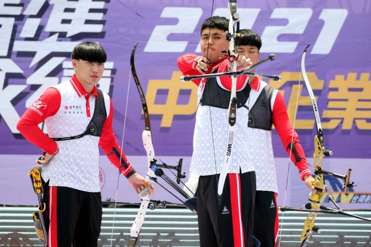 台中銀行男團。中華企業射箭聯盟/提供。