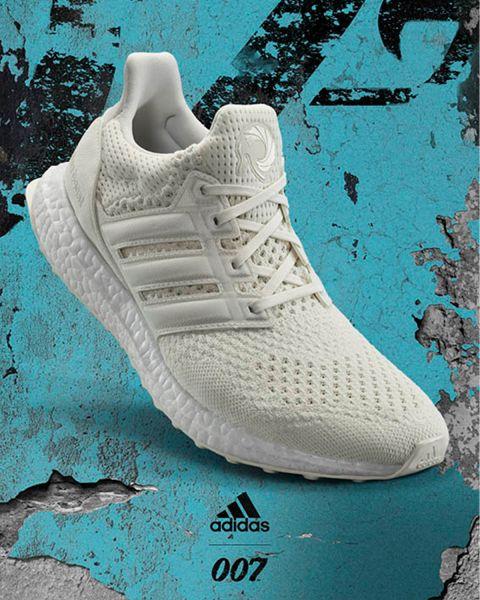 adidas於台灣官方購物網站推出獨家全白配色,以白色貫穿Primeknit鞋面,三線標誌與鞋後跟更利用異材質打造,創造多層次的視覺效果。官方提供