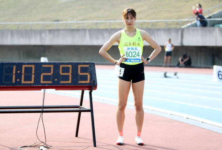 公開女400公尺跨欄決賽,國體大羅佩琳以1:02.98再破大會。。林嘉欣/攝影。