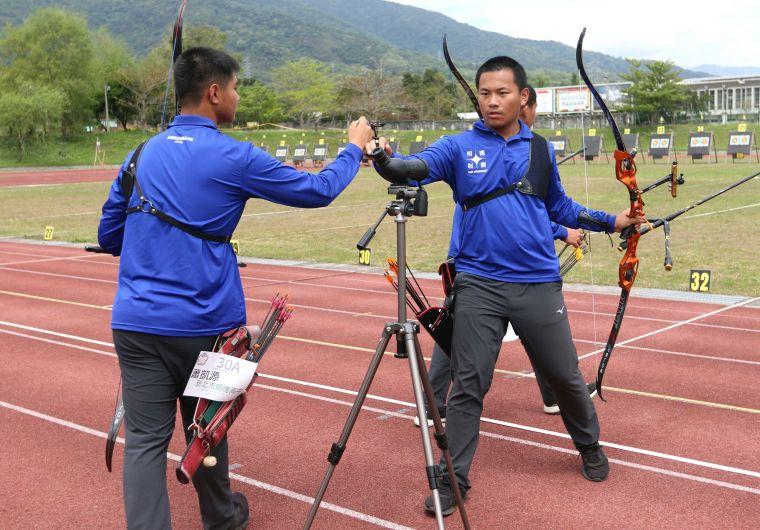 亞軍新北明德高中由戴宇軒(右)領軍。林嘉欣/攝影。
