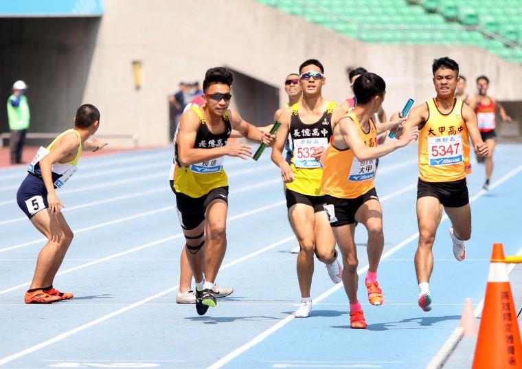高男4x400m接力決賽,林嘉欣/攝影。