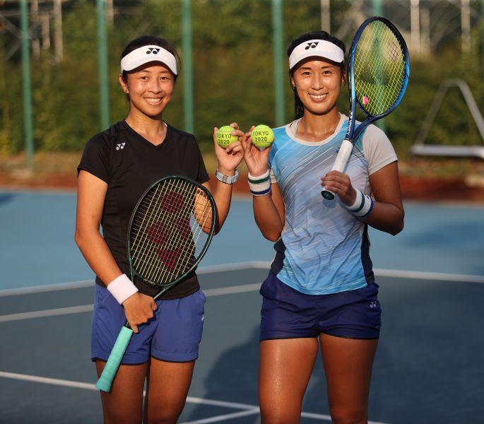 謝語婕(左)/許絜瑜最後時刻遞補入選。李天助攝