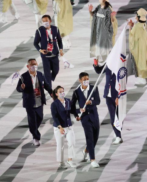 中華隊今年由盧彥勳、郭婞淳掌旗。李天助攝