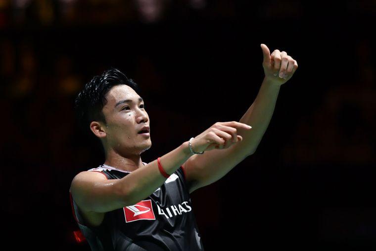 日本球王桃田賢斗在世錦賽完成二連霸。法新社