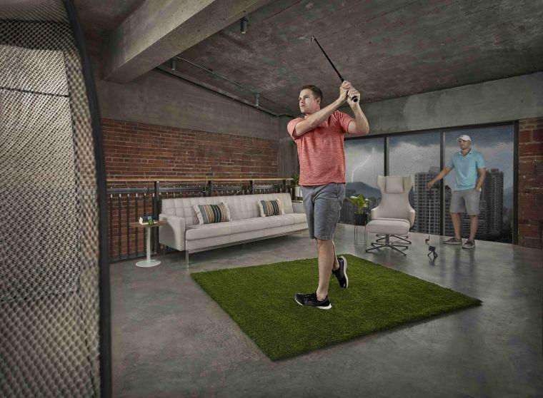Approach R10獨特3D模擬器打造的「Home Tee Hero虛擬球局」,讓你不受場域限制,自由暢打全球42,000幅真實球道,隨時隨地享受揮桿樂趣。官方提供