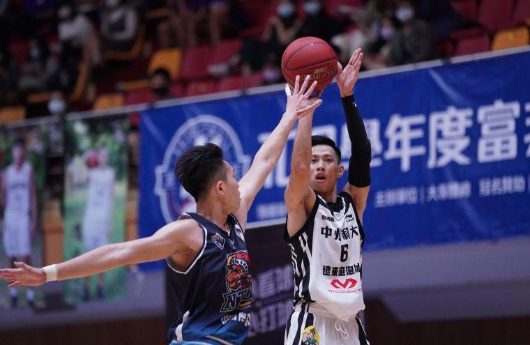 中州科大白薩13分9籃板。大會提供