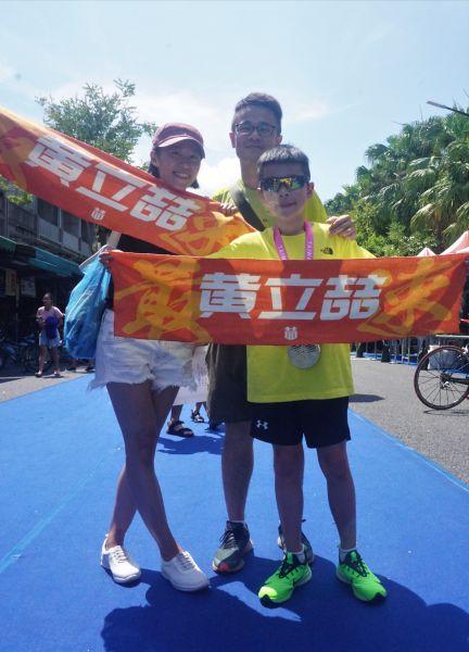10歲小鐵人冠軍黃立喆。中華民國鐵人三項協會提供