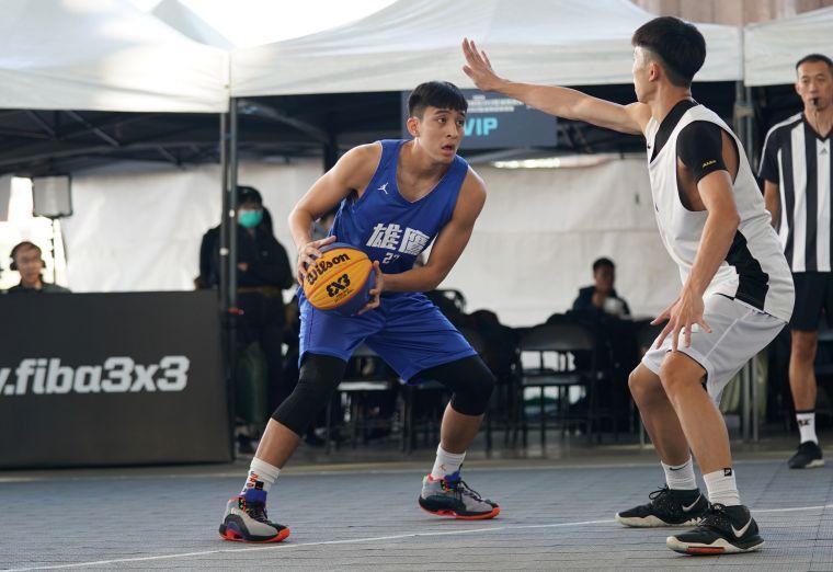政治大學許皓翔最後關鍵投進3顆兩分球。大會提供