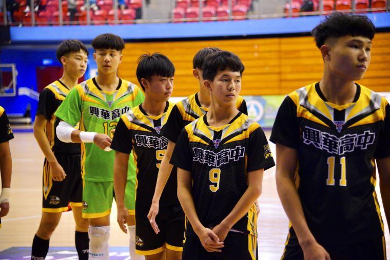 ▲興華高中教練認為球隊板凳深度大幅提升。(圖/記者張曜麟攝,下同)