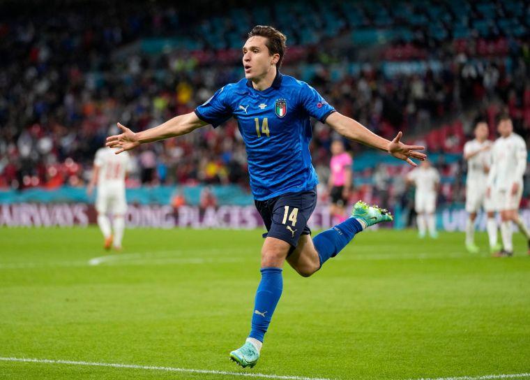 基耶薩(Federico Chiesa)為義大利率先進球。摘自官方推特