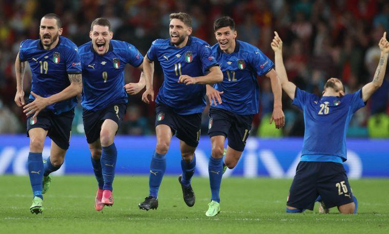 義大利PK大戰獲勝挺進決賽。摘自官方推特