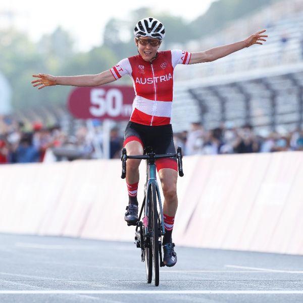 奪下女子公路賽金牌的奧地利的女子車手基森霍夫是位學霸。摘自東奧官方推特