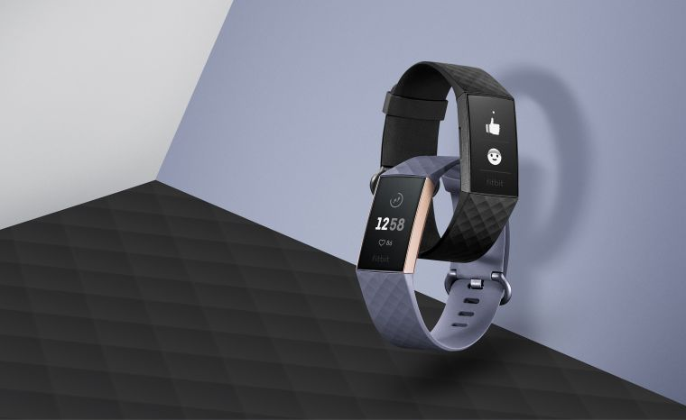 Fitbit_Charge_3_具有游泳防水功能。