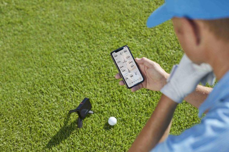Garmin「Approach R10雷達高爾夫訓練儀」精準量化揮桿表現,使用者可下載Garmin Golf App連線配對,即時顯示多項擊球數據。官方提供
