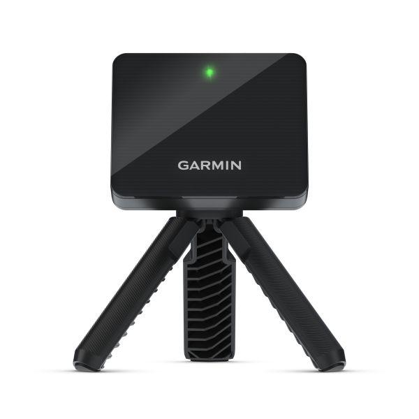 Garmin「Approach R10雷達高爾夫訓練儀」輕巧、便利尺寸方便隨身攜帶,不論在家中或練習場,皆可有效提升高球技巧,建議售價NT$18,990。官方提供