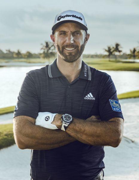 Hublot 品牌大使Dustin Johnson 配戴Big Bang Unico Golf 高爾夫腕錶。官方提供