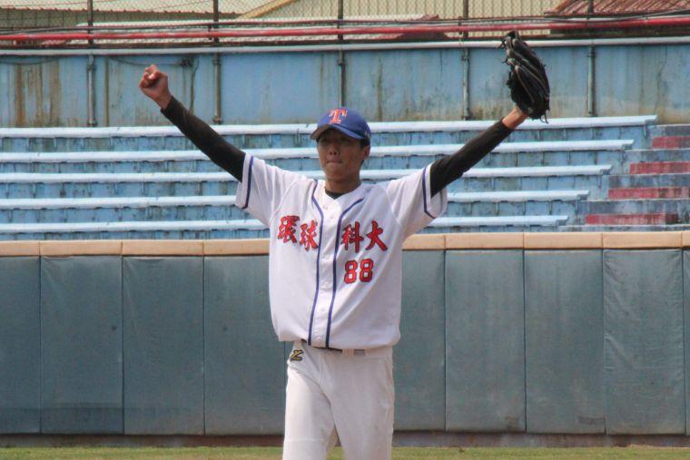 陳宇宏連兩天登板助隊拚上公開一級。