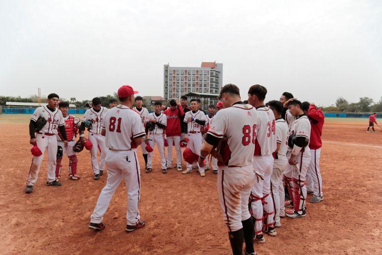 108學年大專棒球聯賽南華大學拿下預賽首勝。大會提供