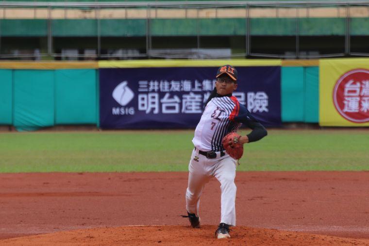大專棒球聯賽,稻江林家恩完封輔大。大會提供