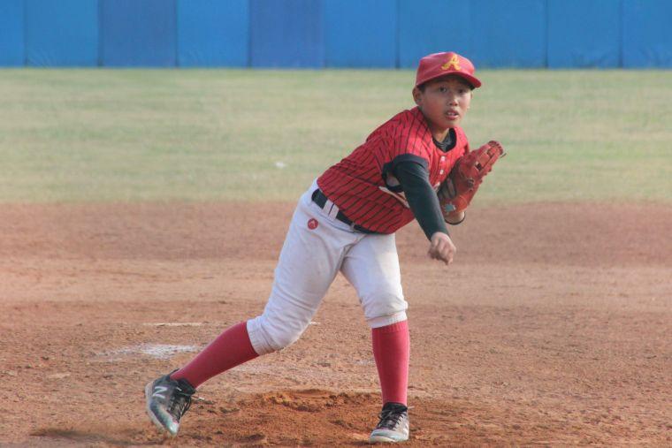 陳江和大兒子陳軒奇在延長賽7局上用4球守住局面。