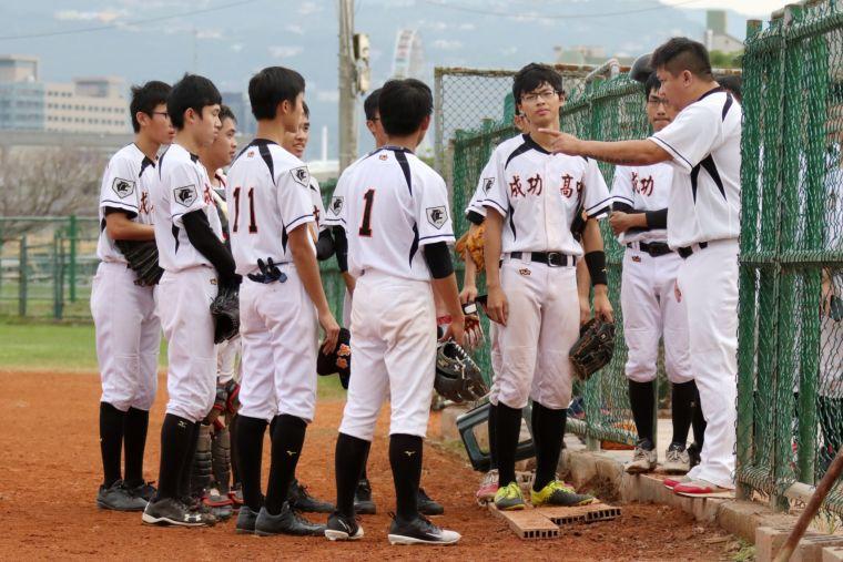 成功高中進16強將碰衛冕軍中華中學。