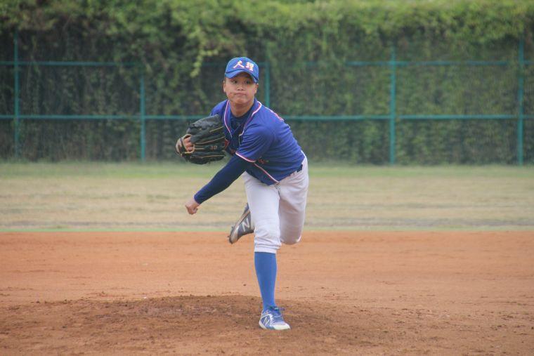 大理高中劉亦智對大溪演出7局完投勝。